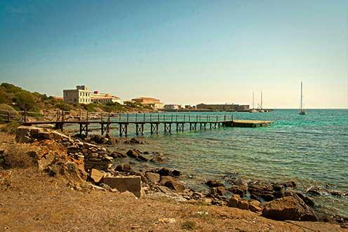 A Cala Reale hadifogolytábor Asinara szigetén