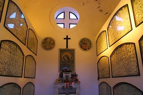 Csontkamra Asinara szigetén legalább hétezer osztrák–magyar hadifogoly maradványával