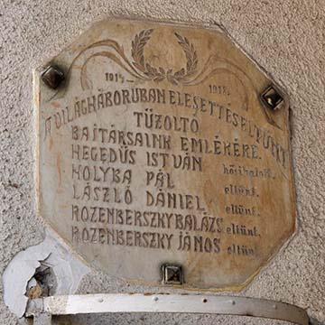A cibakházai emlékmű. László Dániel a cs. és kir. szabadkai 86. gyalogezred bakájaként Bukovinában tűnt el 1916-ban